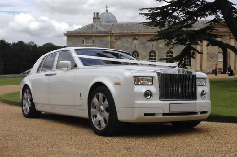 Herts Rollers White Rolls Royce Phantom Hire The Ultimate Chauffeured Wedding Car