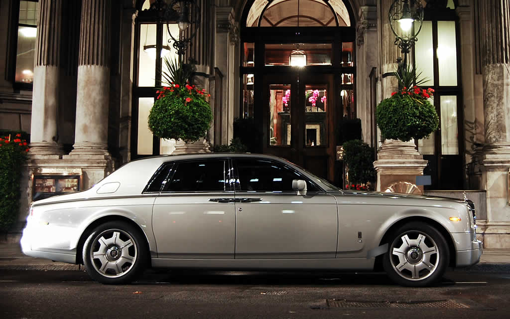 Rolls Royce For Hire >> Silver Rolls Royce Phantom Hire | Herts Rollers