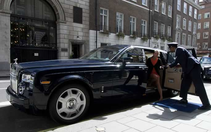 London rolls royce hire chauffeur service herts rollers for Door 4 harrods